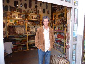 Guido Tersa vor seiner Boutique